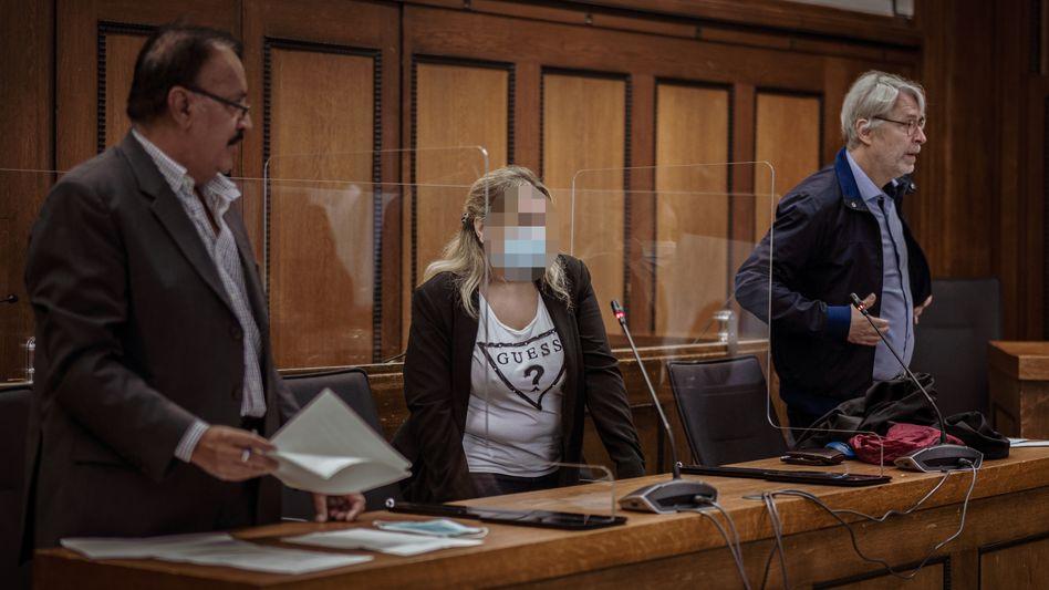 Die Angeklagte vor Gericht (Archiv)