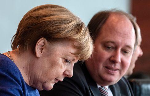 Regierungschefin Merkel, Kanzleramtschef Braun