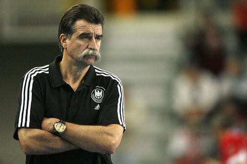 Heiner Brand, Handball-Bundestrainer und Wahlmann der SPD, legt sich nicht auf Gesine Schwan fest