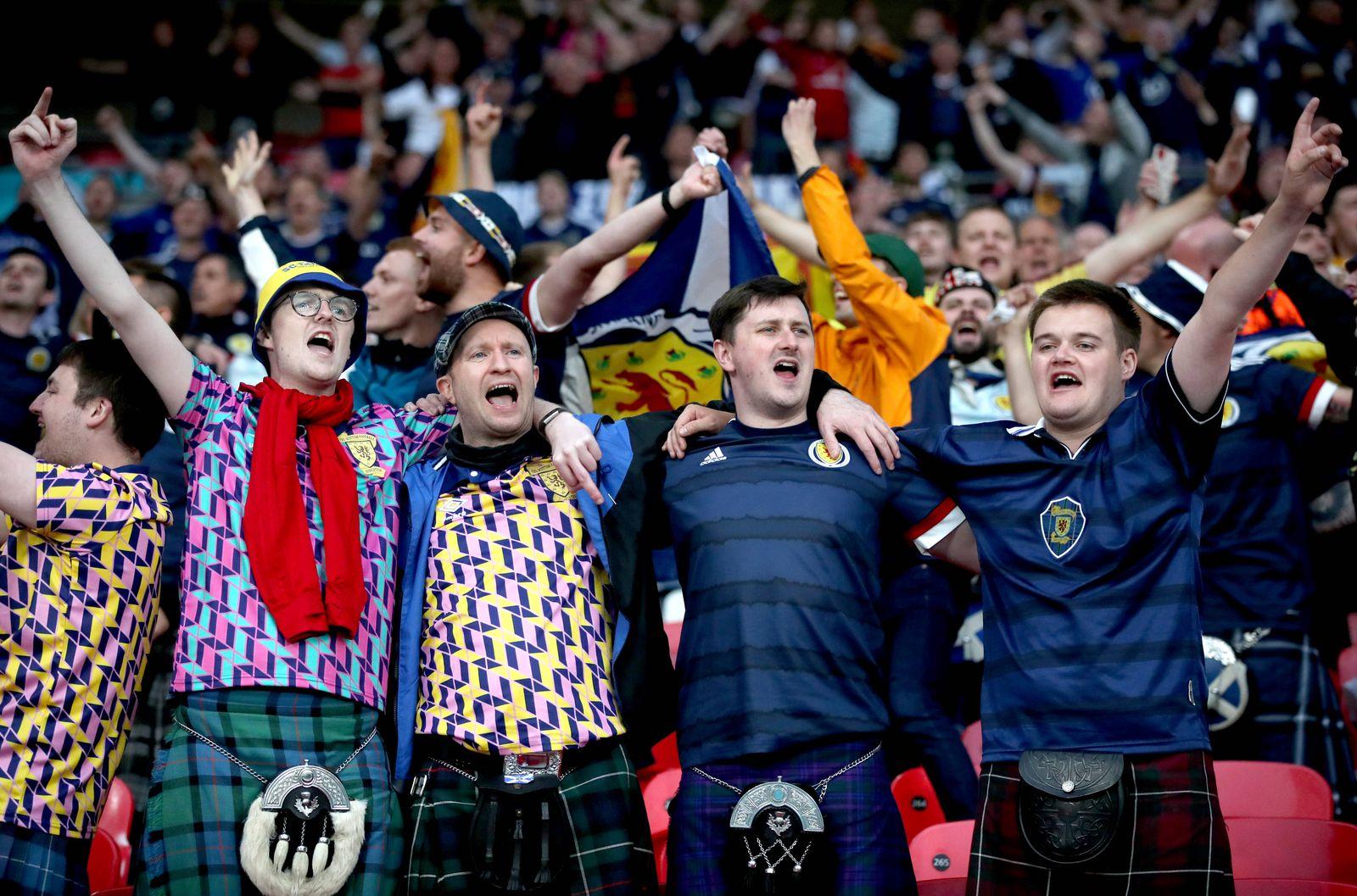 England v Scotland - UEFA EURO, EM, Europameisterschaft,Fussball 2020 - Group D - Wembley Stadium Scotland fans sing the