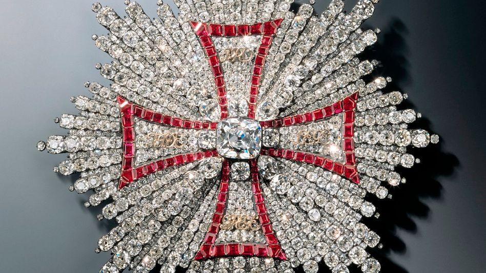 Der Bruststern des polnischen Weißen Adler-Ordens (von Jean Jacques Pallard, zwischen 1746-1749): Er ist besetzt mit Brillanten und Rubinen