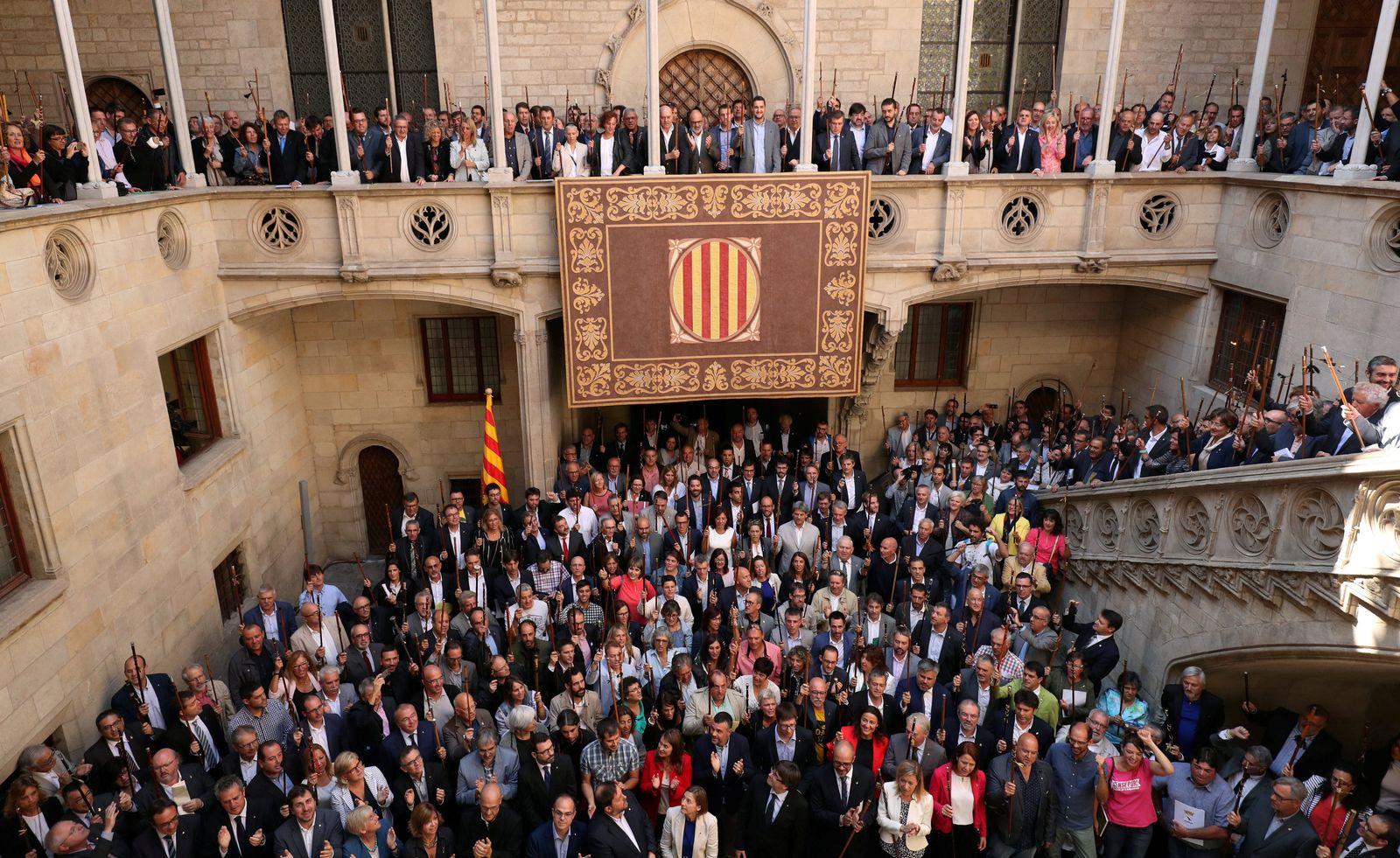 SPAIN-POLITICS/CATALONIA-MAYORS