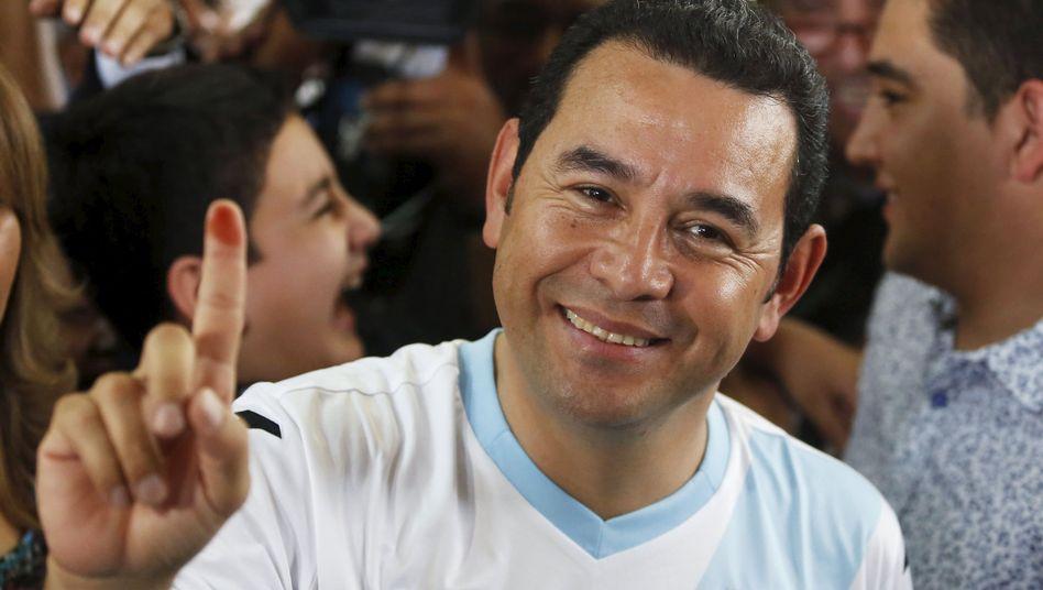 Politiker Morales nach der Stimmabgabe: Rund 70 Prozent für den Polit-Neuling
