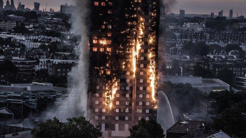 Greenfell Tower in London am 14. Juni 19-mal haben Bewohner die Behörden gewarnt