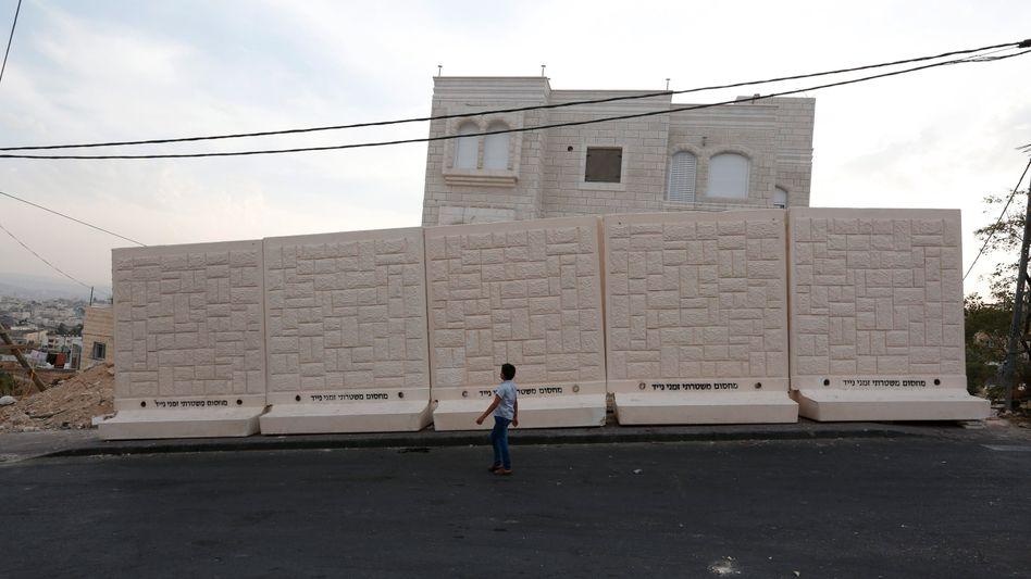 Neue Mauer in Ostjerusalem: Sie soll ein jüdisches und ein arabisches Viertel trennen