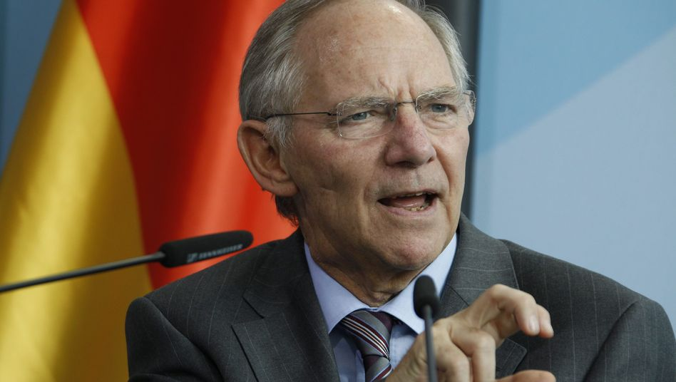 German Finance Minister Wolfgang Schäuble says that the US ignores Germany's social welfare system as a factor in economic stimulus.