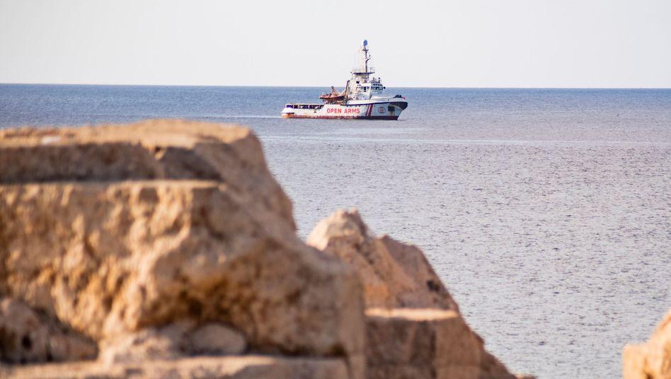 """""""Open Arms"""" vor Lampedusa: """"Spanien handelt immer in humanitären Notfällen"""""""