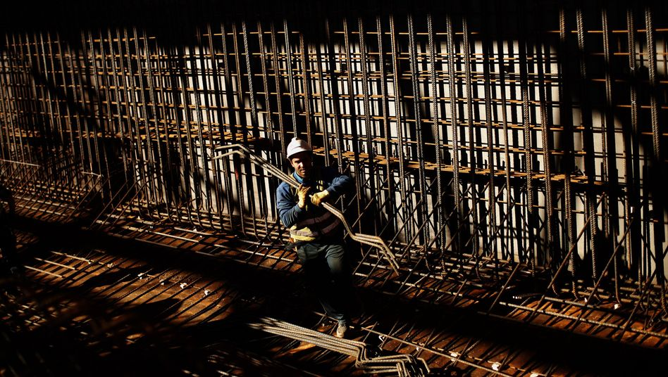 Arbeiter auf Baustelle: Ausbeutung in Europa