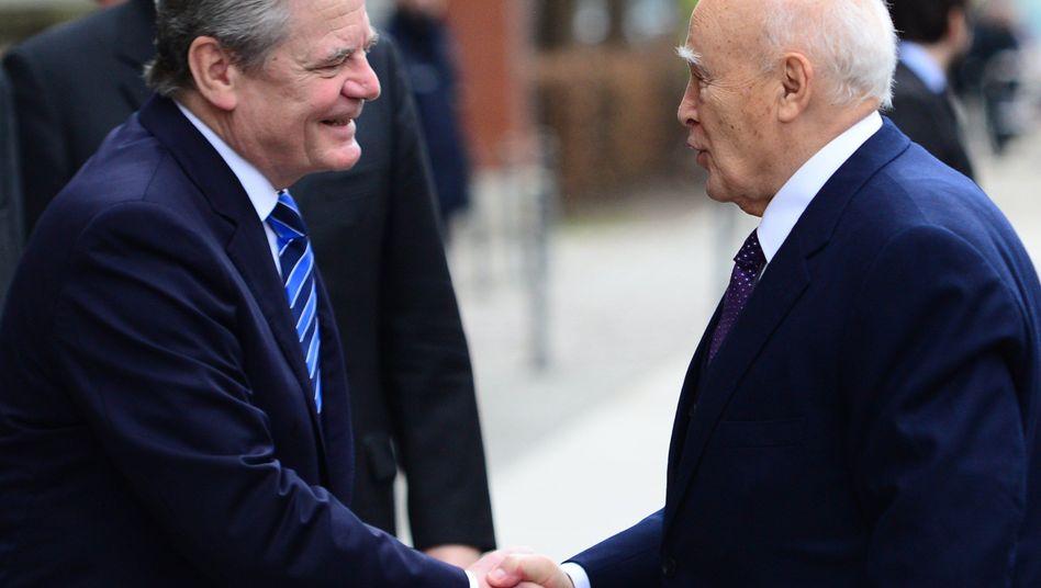 Präsidenten Gauck, Papoulias (Berlin im Januar 2013): Gegenbesuch in Athen