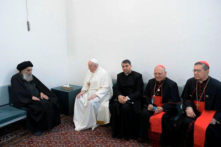 Großajatollah Ali al-Sistani (l.) und Papst Franziskus bei ihrem Treffen in Nadschaf