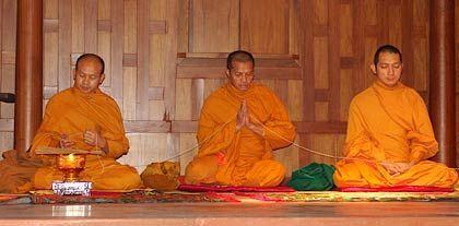 Zeit für Ruhe: Mönchsdarsteller als lebende Vorbilder