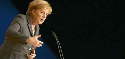 Parteichefin Merkel: Erst einmal Klarheit verschaffen