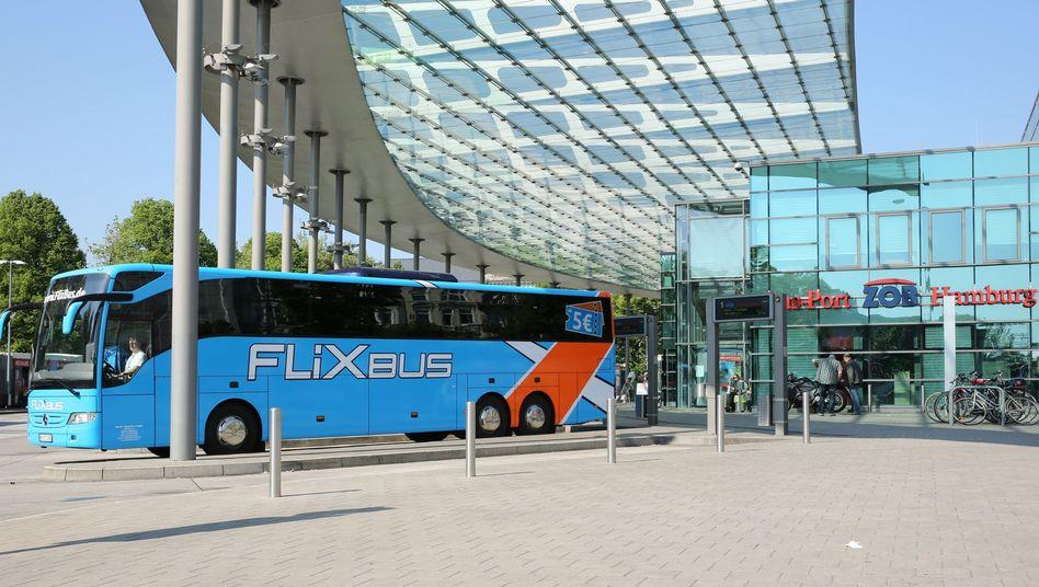 Fernbus in Hamburg: Nutznießer des Bahnstreiks
