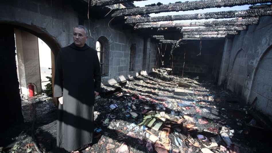 Brotvermehrungskirche in Tabgha nach dem Anschlag (2015)