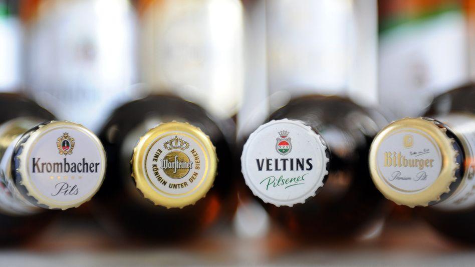 Flaschen der größten Biermarken: Absprachen im Hinterzimmer