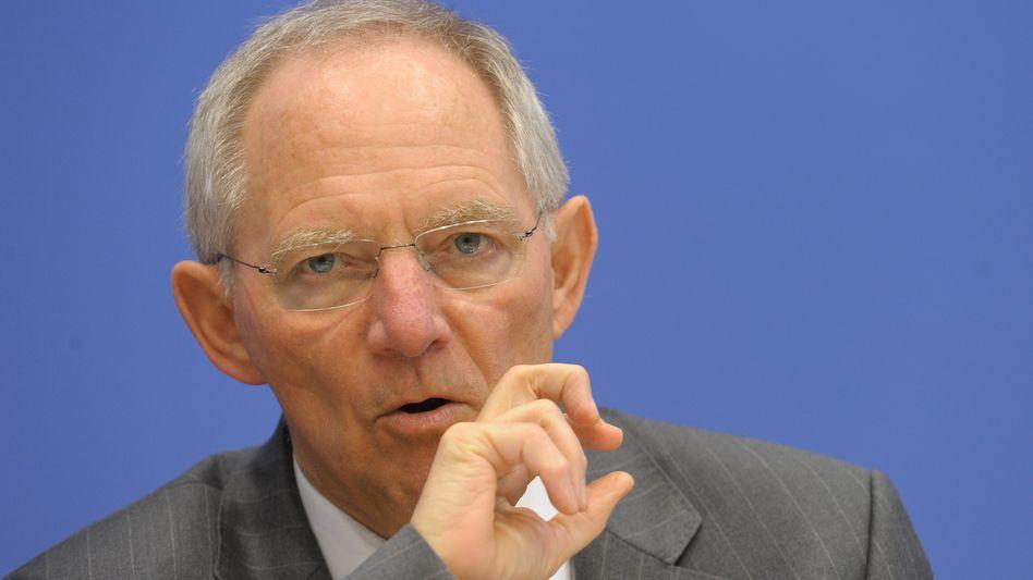 """Finanzminister Schäuble: """"Zur Hilfe gehört immer jemand, der sich helfen lassen will"""""""