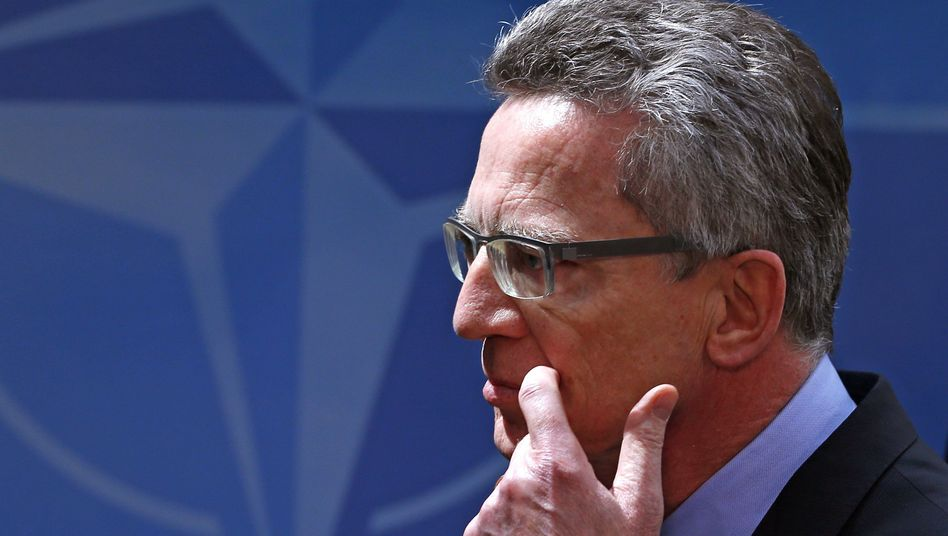 Verteidigungsminister de Maizière: Bellevue statt Brüssel