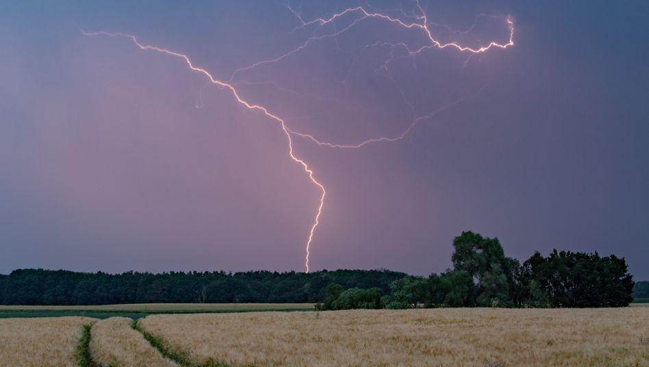 Gewitter bei Treplin (Archivbild): Abkühlung erwartet