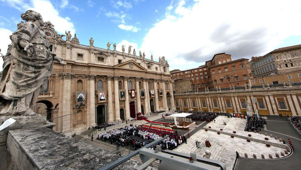 Photo Gallery: Vatican Bank Suspected of Shady Dealings