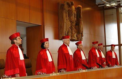 Bundesverfassungsgericht: Gleicher Unterhalt für eheliche und nichteheliche Kinder
