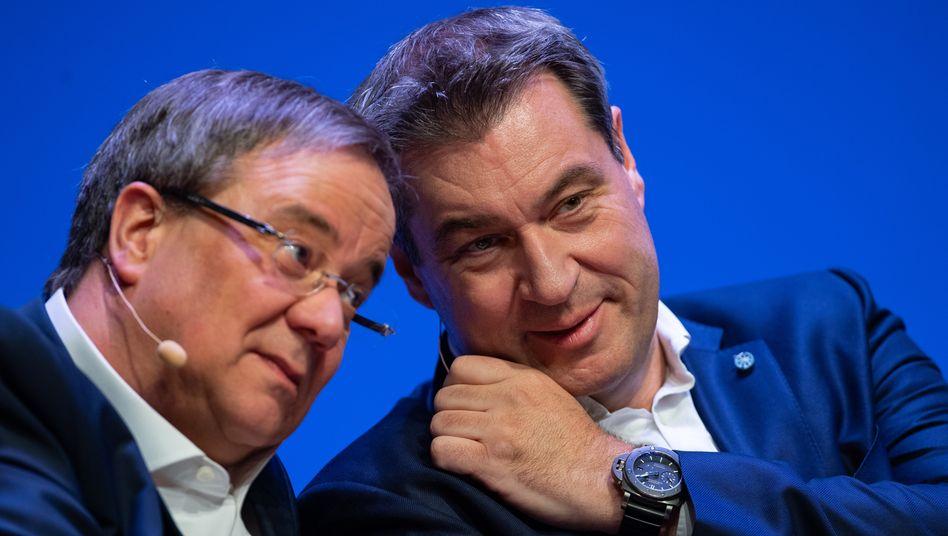 Ein Bild aus besseren Zeiten: Armin Laschet (links) und Markus Söder im April 2019 im Europawahlkampf
