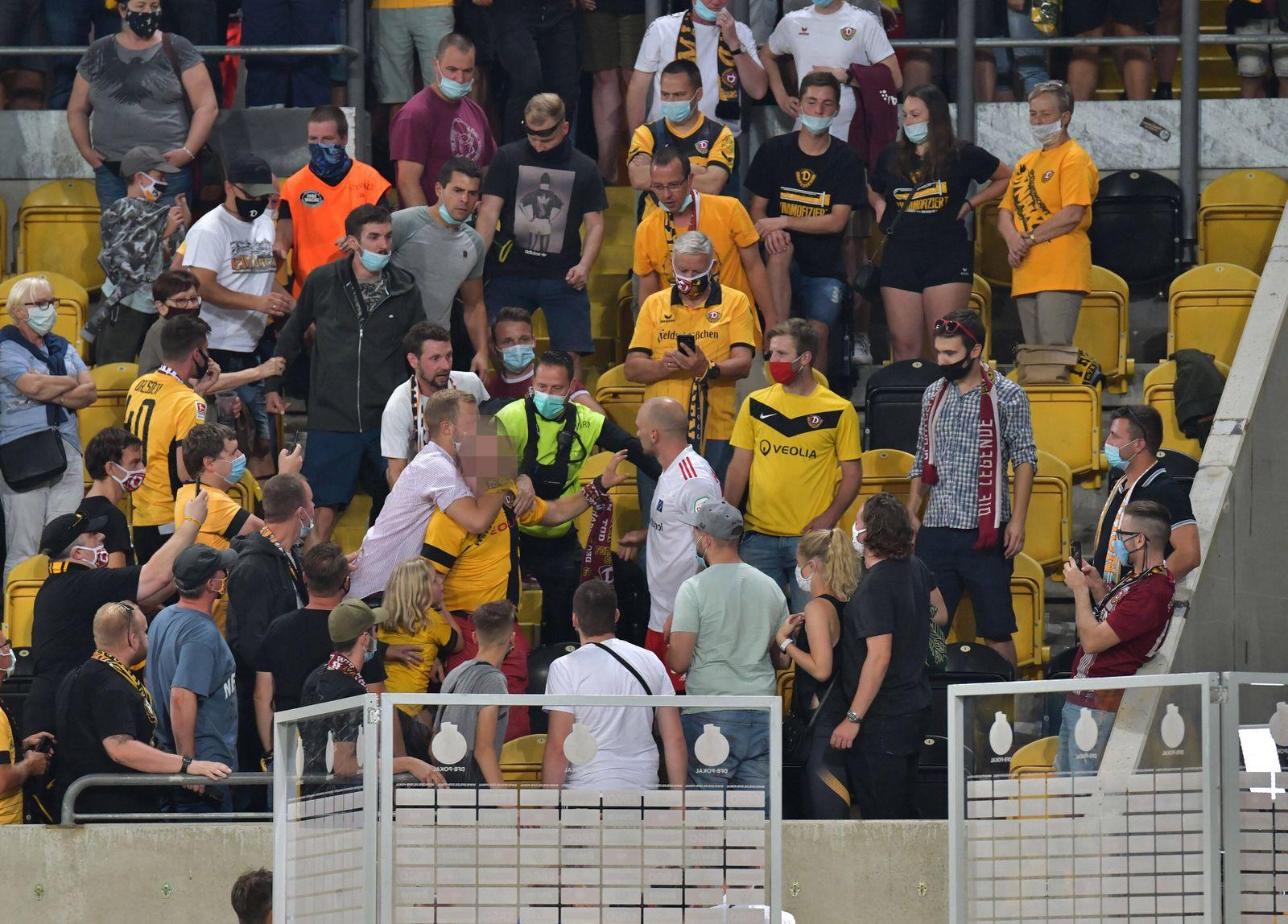14.09.2020, xblx, Fussball DFB Pokal 1.Runde, Dynamo Dresden - Hamburger SV emspor, v.l. Toni Leistner (Hamburger SV) h