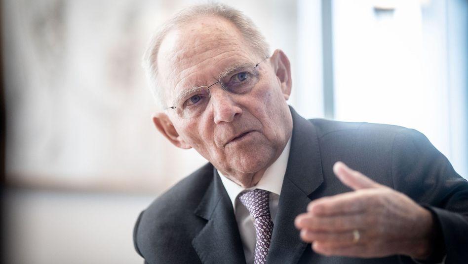 """Wolfgang Schäuble hat die Teilnahme von Günther Krause am Dschungelcamp """"wehgetan"""". Krause war mit ihm Verhandlungsführer beim deutsch-deutschen Einigungsvertrag 1990"""