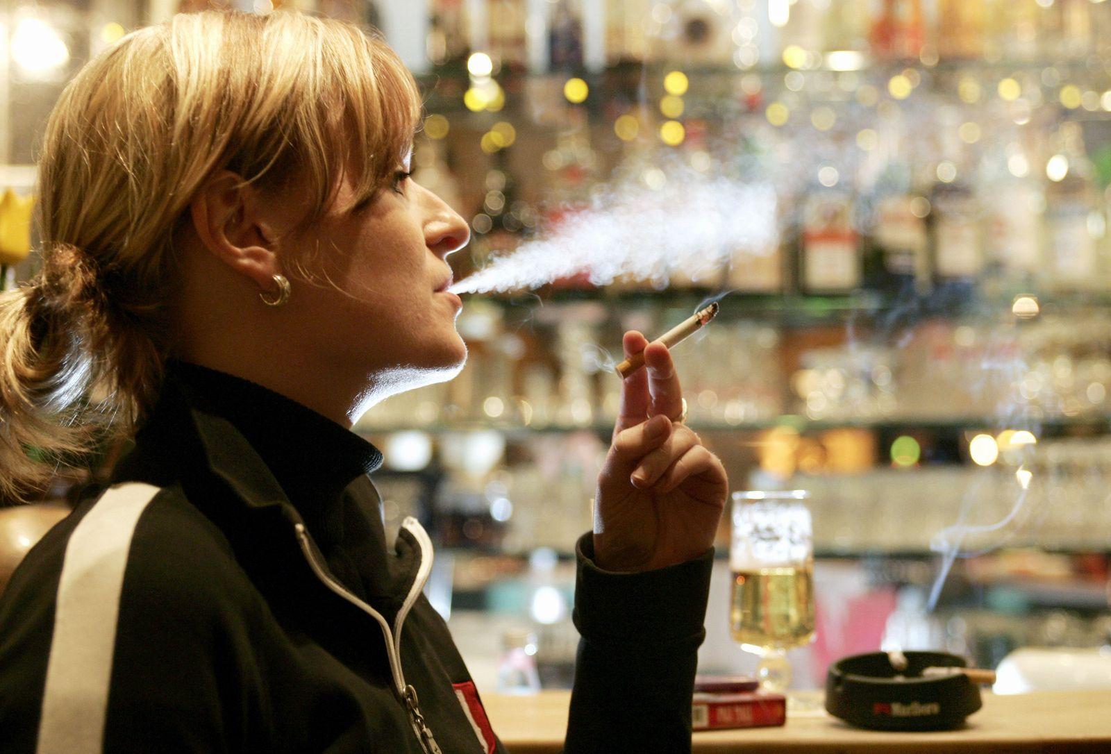 Alkohol / Rauchen / Zigaretten / Rauchverbot / Drogen / Abhängigkeit / Sucht