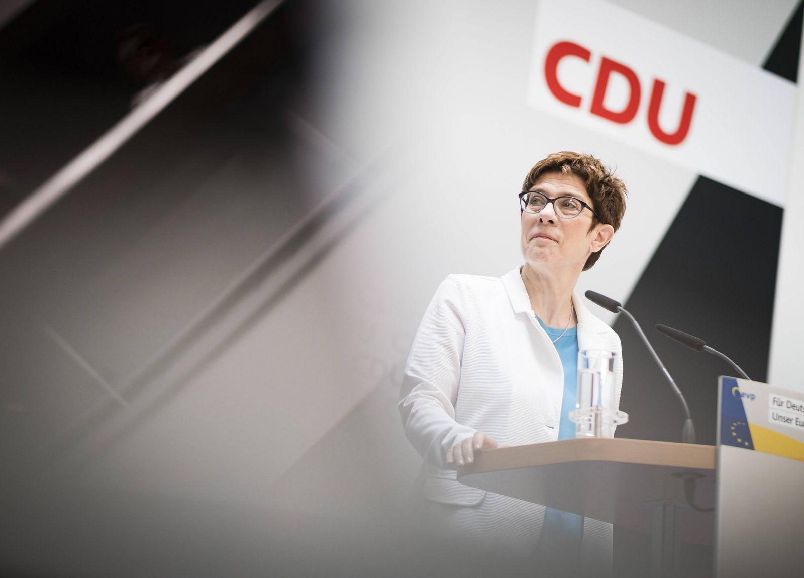 EINMALIGE VERWENDUNG Annegret Kramp-Karrenbauer