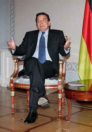 Schröder in Moskau: Abschiedsbesuch des Kanzlers bei seinem Freund Putin