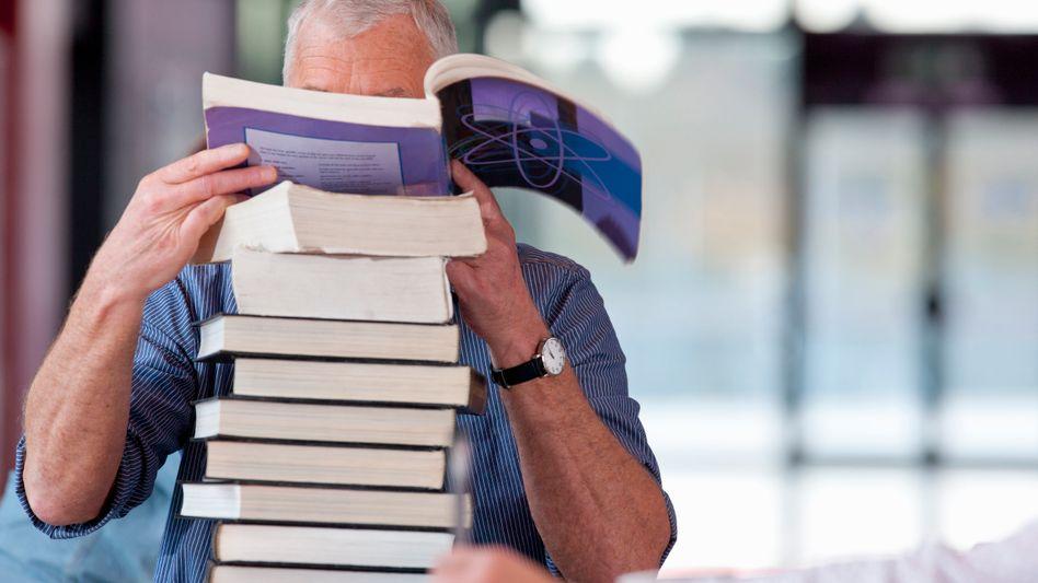 Lesen bildet - es zahlt sich aber oft nur aus, wenn auch ein Abschluss dabei rumkommt