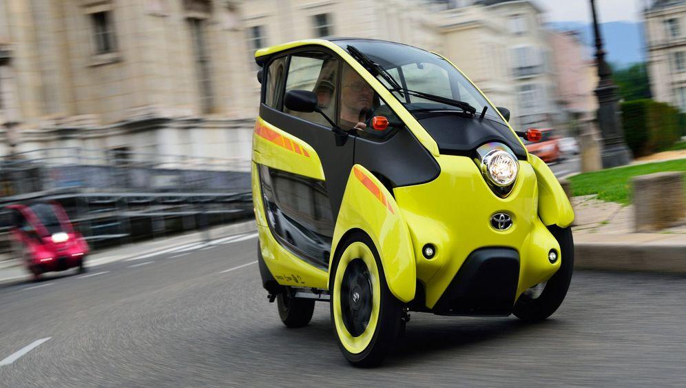 Elektromobil Toyota i-Road: Scheibchenweise Spaß