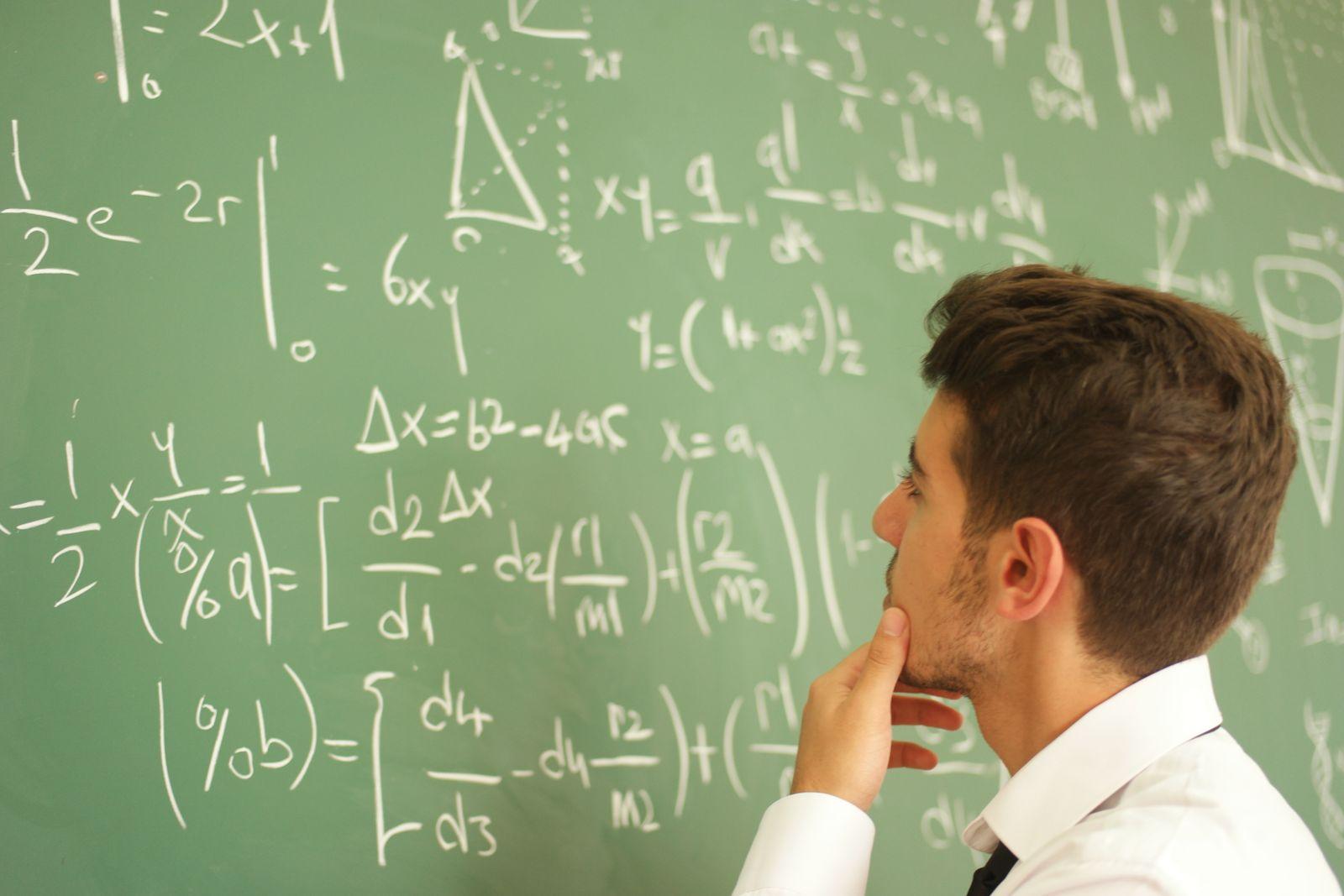 EINMALIGE VERWENDUNG Mathematiker