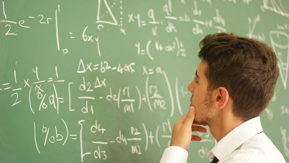 Formeln an Tafel (Archivbild)