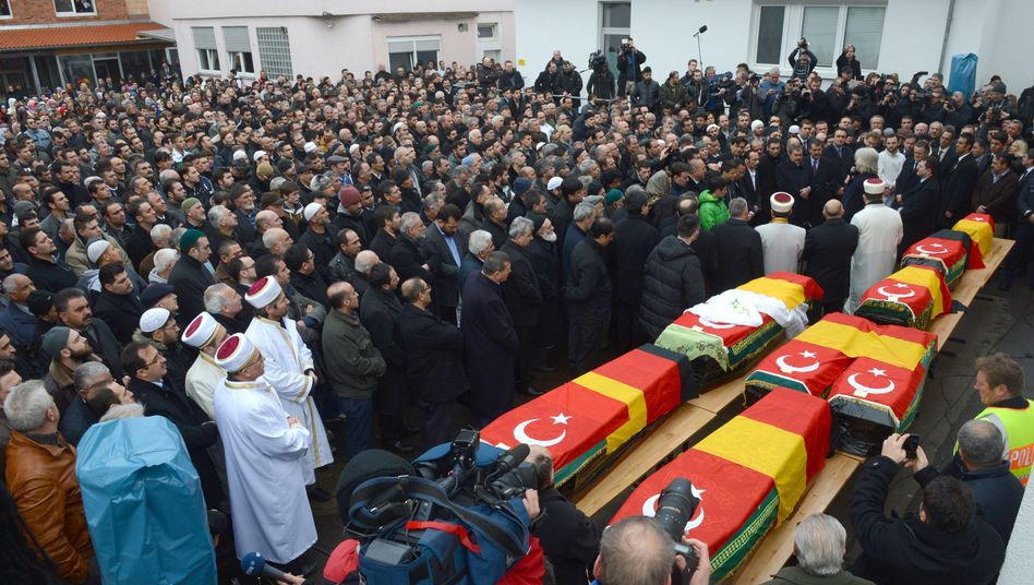 Trauerfeier in Backnang: Abschied von sieben Kindern und ihrer Mutter