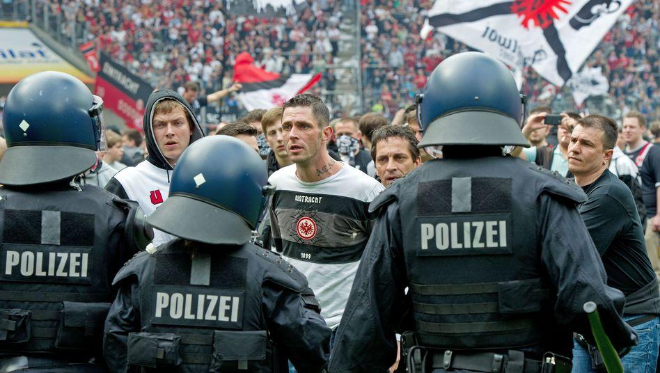"""Fußballfans, Polizei (Archiv): """"Nicht so heftig wie früher"""""""