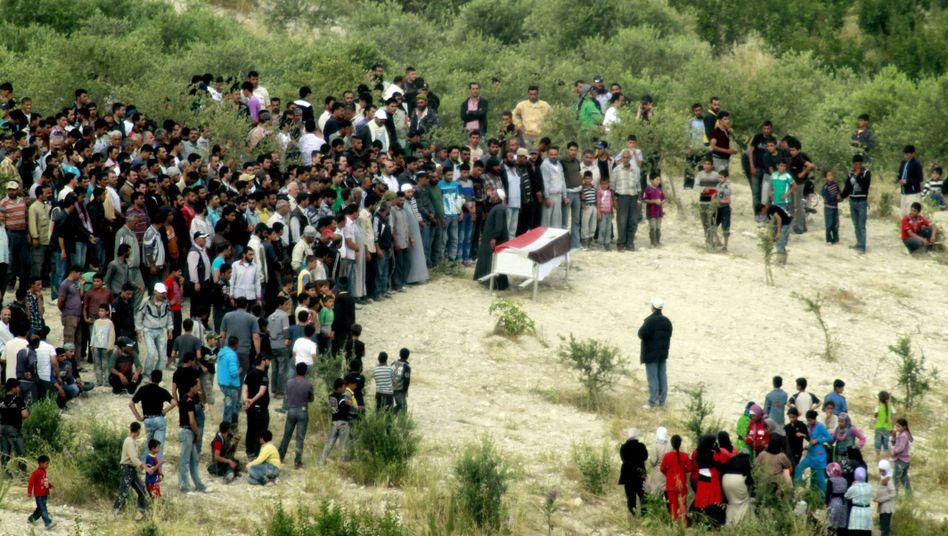 Beerdigung in Syrien: Zahl der Todesopfer steigt immer weiter