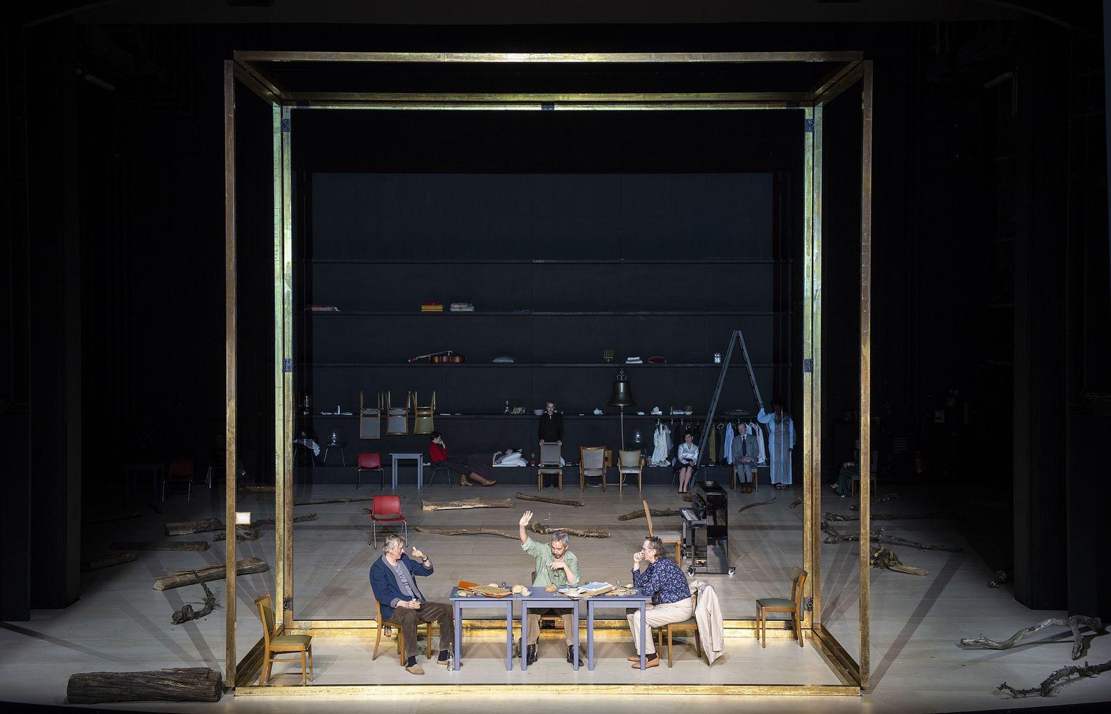 Theater/ Iwanow
