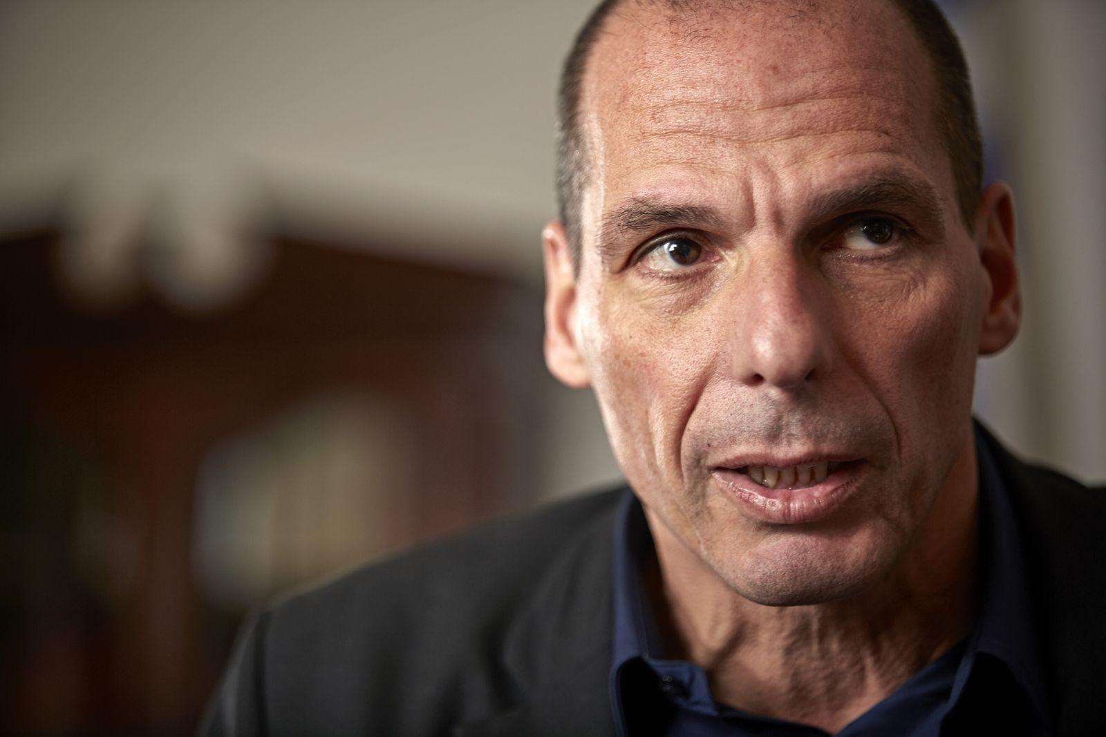 EINMALIGE VERWENDUNG SPIEGEL 8/2015, S:66 Giannis Varoufakis