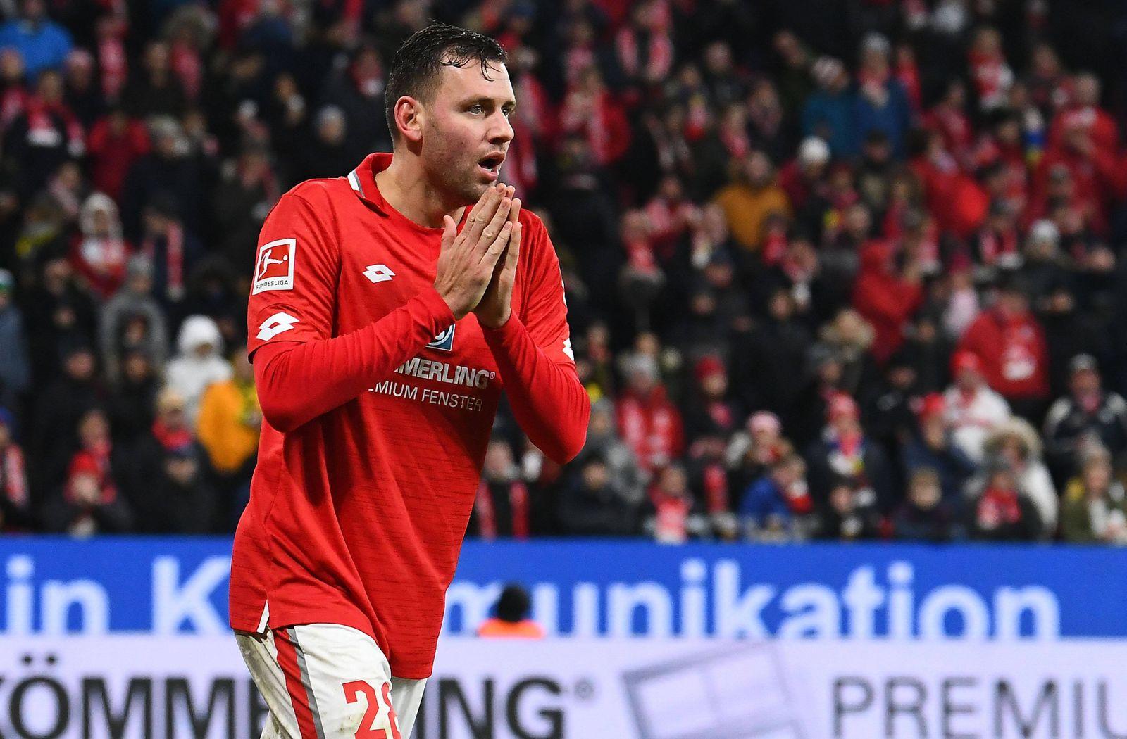 14.12.2019, xfux, Fussball 1.Bundesliga, FSV Mainz 05 - Borussia Dortmund, azspor, emspor, v.l. Adam Szalai (FSV Mainz