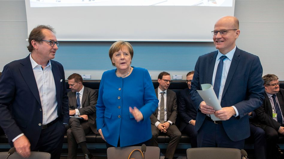 CSU-Landesgruppenchef Dobrindt, Kanzlerin Merkel, Fraktionsvorsitzender Brinkhaus