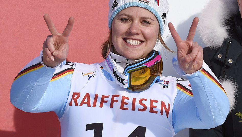 Endlich eine WM-Medaille: Viktoria Rebensburg freut sich