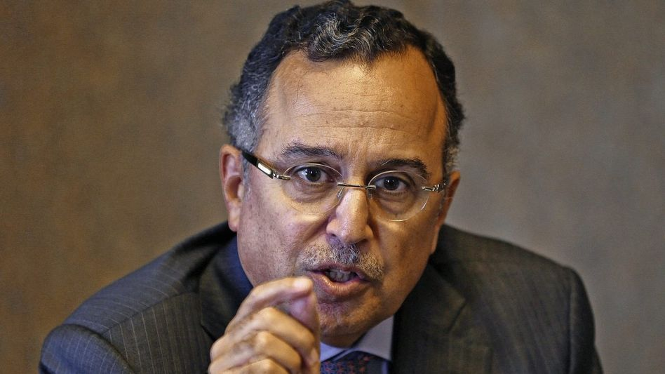 Minister Fahmy: »Fahrplan zur Demokratie«