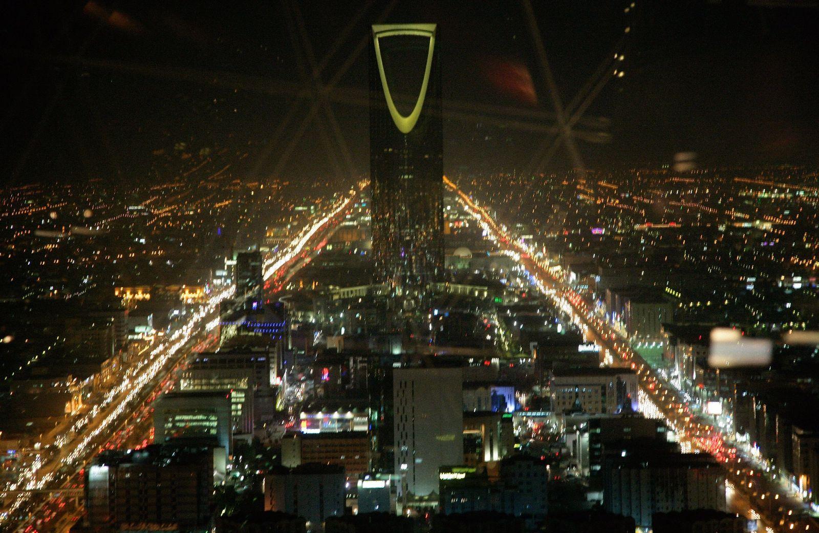 Saudi-Arabien - Riad bei Nacht