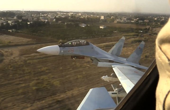 Russisches Kampfflugzeug. Putin berichtet von Erfolgen