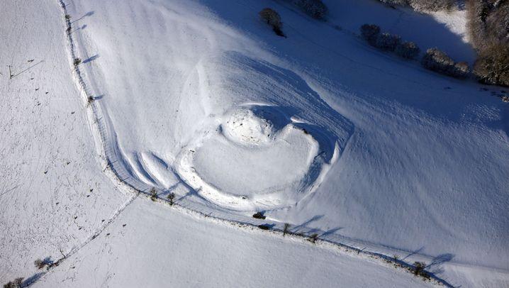 Wales: Bronzezeit-Siedlung unterm Schnee entdeckt