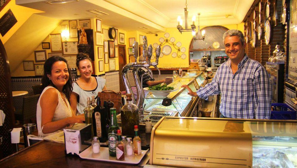 Málaga: Boquerones und ein guter Roter