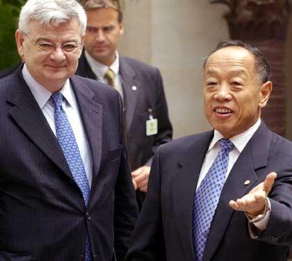 Außenminister Fischer und Li Zhaoxing: Deutliche Worte