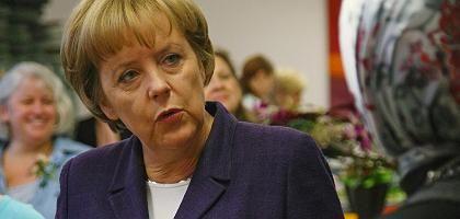 Kanzlerin Merkel: Plädoyer für die FDP
