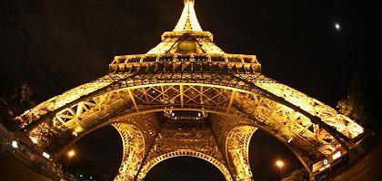 Erleuchteter Eiffelturm: Fünf statt zehn Minuten jede Stunde
